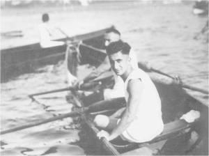 1920'ler Arslan Nihat futbolun yanında Atletizm ve Kürek sporlarında da çok başarılı idi. Hamlada Halil'in olduğu bir 2x yarışını kazandıktan sonra