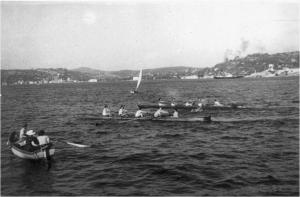 1930 4+ yarış