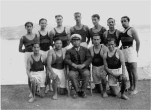 1932 yılında Kürekçiler denizcilik Baş kaptanı Mecdi Hüsam ile