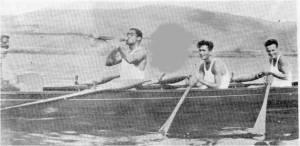 1933 - İzmit seferi sırasında susuzluk giderme. Kemal Özbek - Kazım Karacadağlı - İlhan Ulagay - Bekir Macur