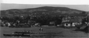1940' lı yıllarda Paşabahçe - Beykoz arasında yapılan kürek yarışlarında Paşabahçe' den yapılan  bir çıkış.