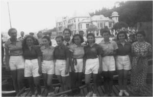 1940'lar Bayan Kürekçiler ve eski Bayan kürekçilerimizden Hale Soysal ve Neşide Kerem