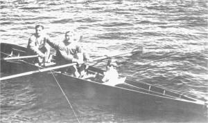 1940'lı  yılların meşhur kürekçisi  Petro Fanaryotis ve sıvıryacısı Kudret Erez.