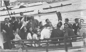 1942 yarışa giderken