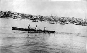 1942 yılında Samatya yarışları Serdümen Reşat Akant Hamlada  Reha İren - Sıvıryada Sati İpek