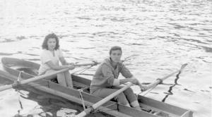 1957 Şampiyonu Bayanlar İki Çifte Ünal Yaman-İnci Kenter