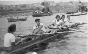 1957 yılında Şampiyon Bayanlar dört tekimiz Serdümen Ünal Yaman - Nuray Erkartal - Öznur Üstüngel - Umay Erkartal - Esra Paşakay