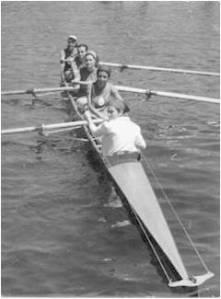1965 Şampiyon 4+ Bayanlar ekibi. İnci Yar – Hülya Demir – Sevgi Karaçay – Eliza Boeno – Dm. Hale Ağalday.