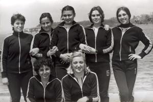1975 Bayan Kürekçilerimiz Feray Kalaycıoğlu-Oya Özkök-İlkiz Uçak-Nilgün Kurtoğlu--Nur Alemdar-Güneş Koçbaylı