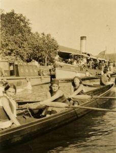 9b-1930 Altınordu Kız Takımı İstinye Koyu Gültekin Mangit Arşivi