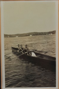 Üç Çifte Teknede